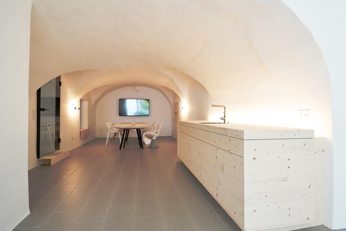 Dudlhofer-Coworking-Landshut-kreativ-gemeinsam-Office-Space-Heike Schwarzfischer-burgmeierundvoelkl-architekten-meetingraum-kueche